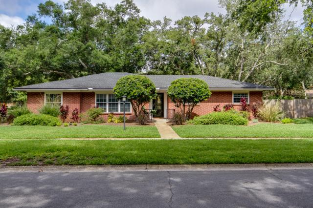 1502 Neptune Grove Dr E, Neptune Beach, FL 32266 (MLS #1001668) :: The Hanley Home Team