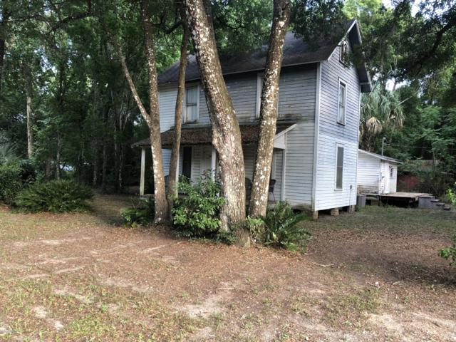 101 Washington St, Interlachen, FL 32148 (MLS #1001720) :: The Hanley Home Team