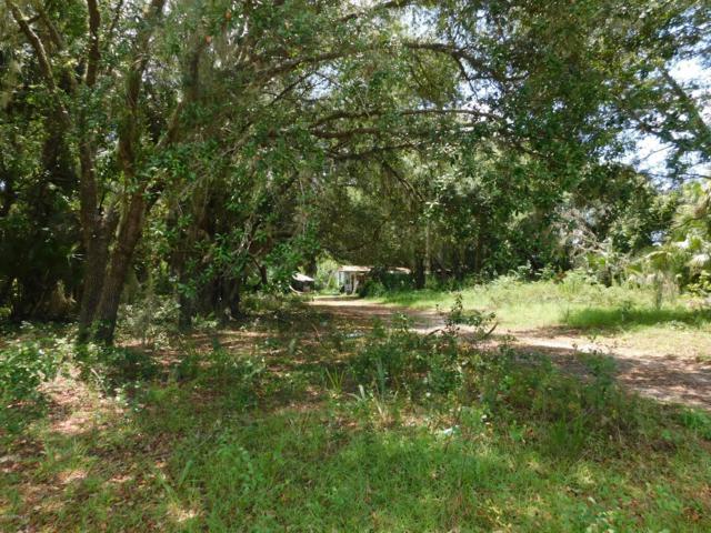 109 Rhododendron Ln, Interlachen, FL 32148 (MLS #1001880) :: The Hanley Home Team