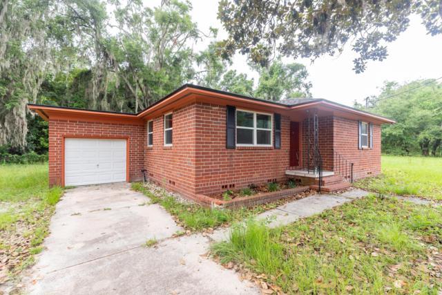 8940 Camphor Dr, Jacksonville, FL 32208 (MLS #1002184) :: Ancient City Real Estate