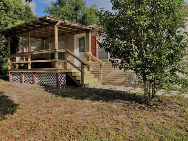 6005 5TH Manor E, Palatka, FL 32177 (MLS #1002460) :: The Hanley Home Team