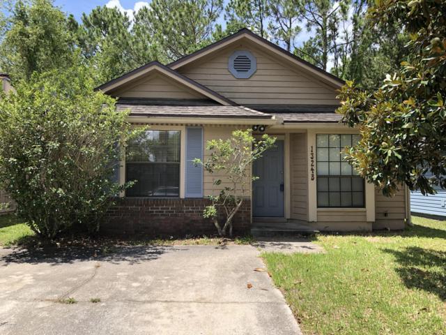 1324 Independence Dr B, Orange Park, FL 32065 (MLS #1003487) :: The Hanley Home Team