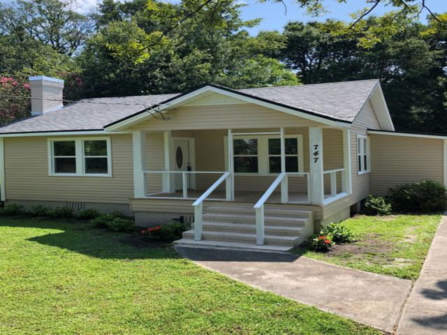 747 Mackinaw St, Jacksonville, FL 32254 (MLS #1005893) :: Memory Hopkins Real Estate