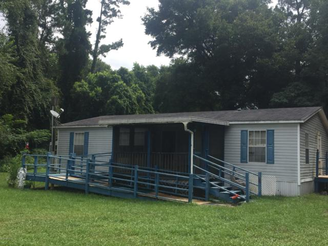 330 Milton Ave, Interlachen, FL 32148 (MLS #1007356) :: The Hanley Home Team