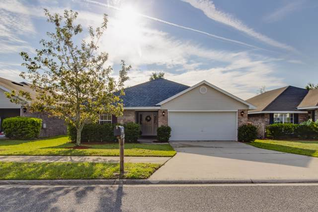 1853 Creekview Dr, GREEN COVE SPRINGS, FL 32043 (MLS #1016568) :: The Hanley Home Team