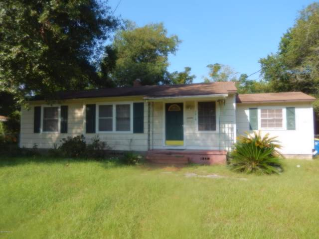 7818 Tory Pl W, Jacksonville, FL 32208 (MLS #1017440) :: The Hanley Home Team