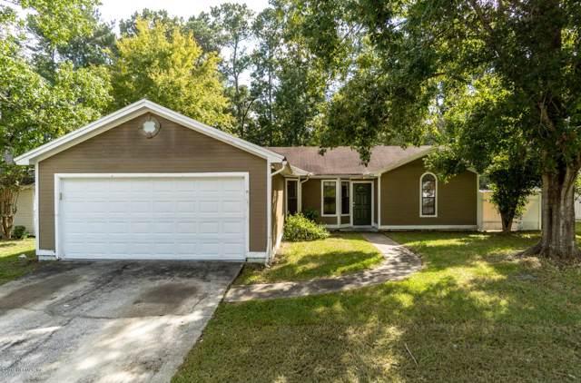 8720 Huntington Woods Cir N, Jacksonville, FL 32244 (MLS #1021172) :: The Hanley Home Team