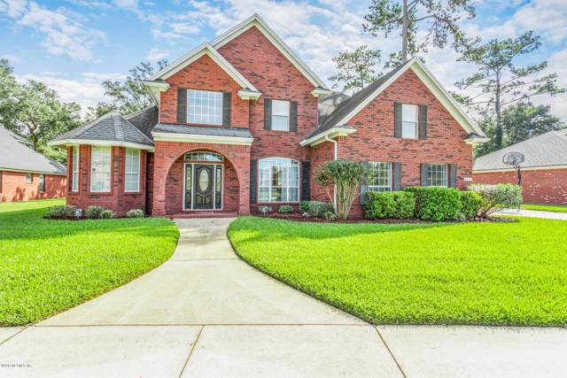 12039 Rising Oaks Dr E, Jacksonville, FL 32223 (MLS #1021513) :: The Every Corner Team | RE/MAX Watermarke