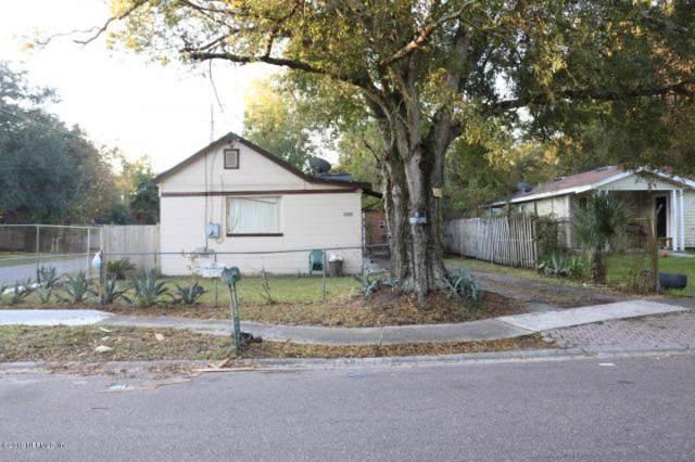 2202 W 1ST St, Jacksonville, FL 32209 (MLS #1026847) :: The Hanley Home Team