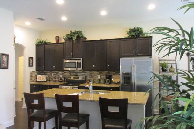 1226 Adelena Ln, Jacksonville, FL 32221 (MLS #1029010) :: Berkshire Hathaway HomeServices Chaplin Williams Realty