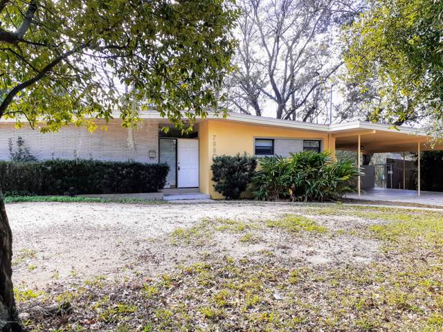 7990 Carlotta Rd S, Jacksonville, FL 32211 (MLS #1031902) :: Noah Bailey Group