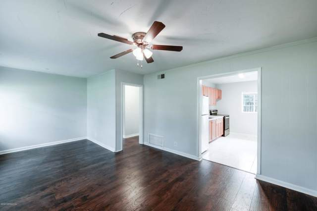 5143 Banshee Ave, Jacksonville, FL 32244 (MLS #1033889) :: The Every Corner Team | RE/MAX Watermarke