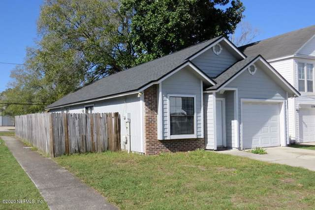 5138 Somerton Ct, Jacksonville, FL 32210 (MLS #1034281) :: The DJ & Lindsey Team