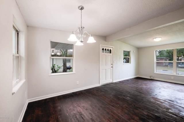 3912 Robert C Weaver Dr, Jacksonville, FL 32208 (MLS #1034912) :: EXIT Real Estate Gallery