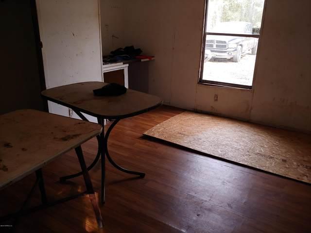 421 Lenore Ave, Interlachen, FL 32148 (MLS #1037429) :: Berkshire Hathaway HomeServices Chaplin Williams Realty