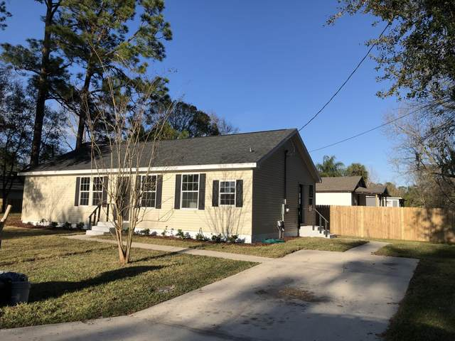 4552 First Ave, St Augustine, FL 32095 (MLS #1037918) :: The Every Corner Team | RE/MAX Watermarke