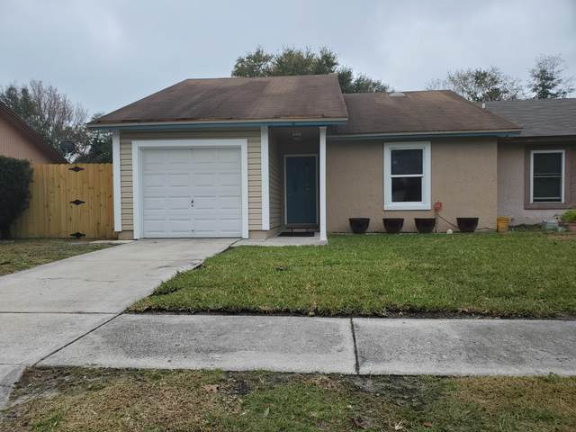 2642 Hidden Village Dr, Jacksonville, FL 32216 (MLS #1038841) :: The Volen Group | Keller Williams Realty, Atlantic Partners