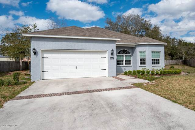 6004 E 1ST Manor, Palatka, FL 32177 (MLS #1039058) :: Military Realty