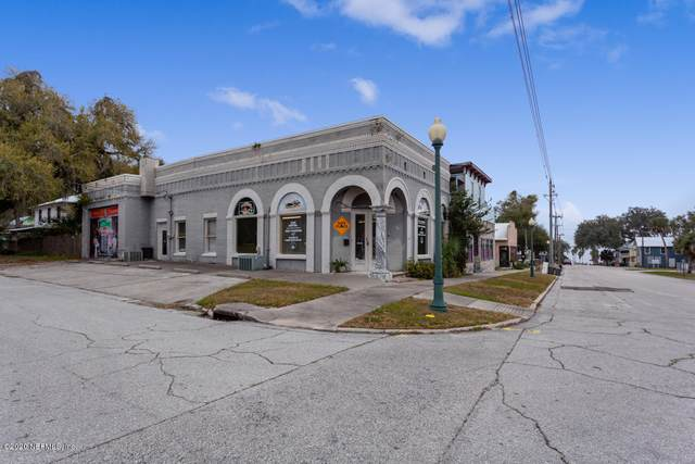 236 Central Ave, Crescent City, FL 32112 (MLS #1039281) :: The DJ & Lindsey Team
