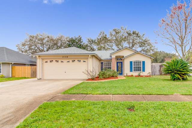 3138 Fox Squirrel Dr, Orange Park, FL 32073 (MLS #1039522) :: EXIT Real Estate Gallery