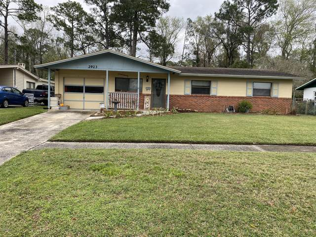 2923 Loran Dr E, Jacksonville, FL 32216 (MLS #1039648) :: Noah Bailey Group