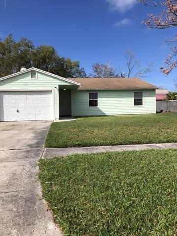 1740 Village Ln, Orange Park, FL 32073 (MLS #1039830) :: Noah Bailey Group