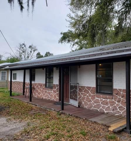2618 State St, Palatka, FL 32177 (MLS #1040275) :: Memory Hopkins Real Estate