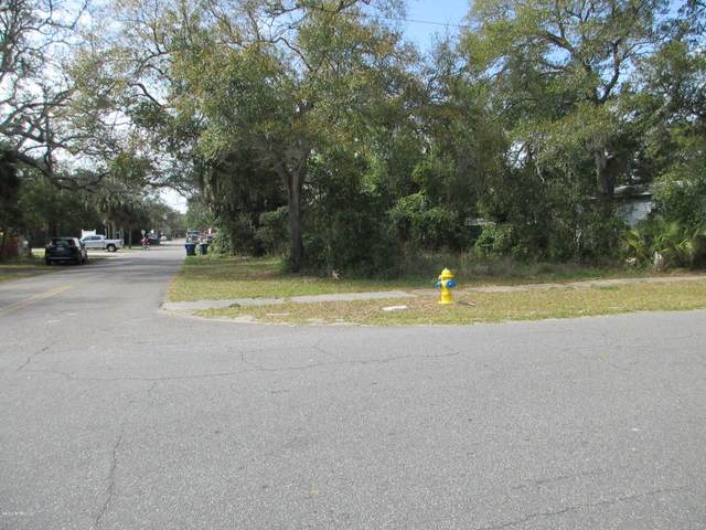 329 S 10TH St, Fernandina Beach, FL 32034 (MLS #1042041) :: The Hanley Home Team