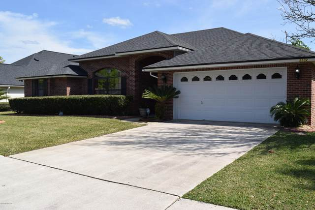 5502 London Lake Dr W, Jacksonville, FL 32258 (MLS #1042490) :: Noah Bailey Group