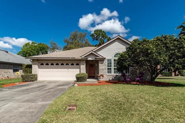1212 Stern Way, Orange Park, FL 32003 (MLS #1045556) :: The Hanley Home Team