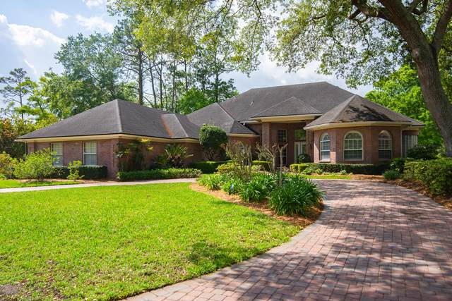 7852 Woodsdale Ln, Jacksonville, FL 32256 (MLS #1045795) :: The Perfect Place Team