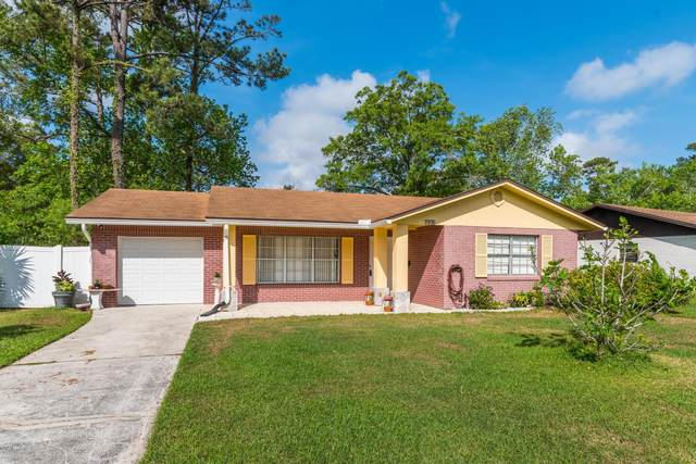 7976 Laffit Dr, Jacksonville, FL 32217 (MLS #1045978) :: Bridge City Real Estate Co.