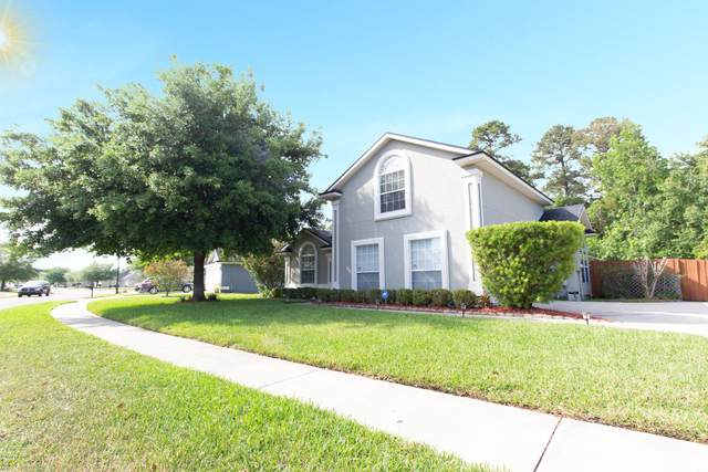 3017 Bright Eagle Dr, Jacksonville, FL 32226 (MLS #1046648) :: The Hanley Home Team