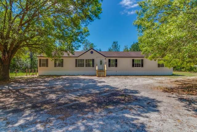 3195 Barbara Ln, Hilliard, FL 32046 (MLS #1046995) :: The Hanley Home Team