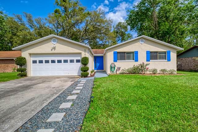 9941 Timberlake Dr E, Jacksonville, FL 32257 (MLS #1047143) :: The Hanley Home Team