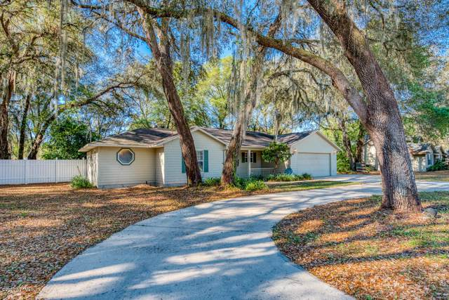 105 Oak Tree Ln, Palatka, FL 32177 (MLS #1047316) :: Memory Hopkins Real Estate