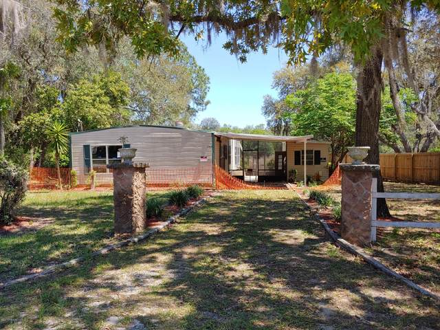 122 Sioux Ave, Interlachen, FL 32148 (MLS #1047317) :: Memory Hopkins Real Estate