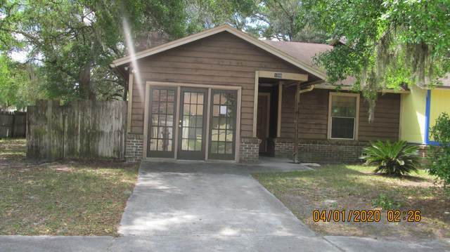 1056 Willow Cove Ct W, Jacksonville, FL 32233 (MLS #1048045) :: Berkshire Hathaway HomeServices Chaplin Williams Realty
