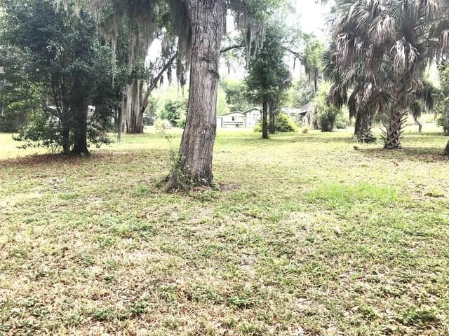 115 Lake Grove Dr, Crescent City, FL 32112 (MLS #1048625) :: Oceanic Properties