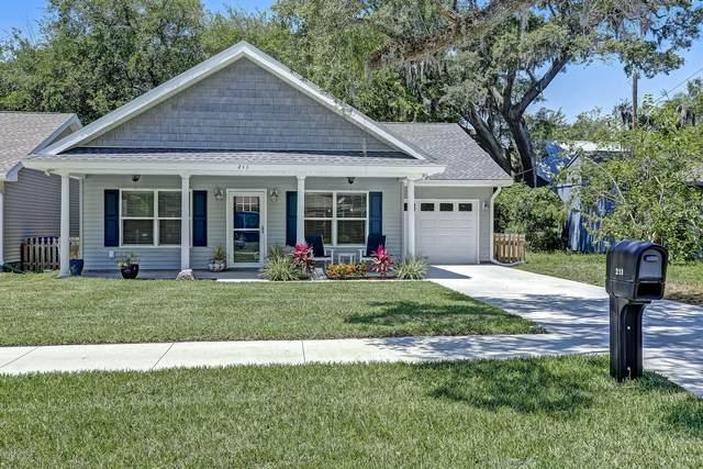 211 S 11TH St, Fernandina Beach, FL 32034 (MLS #1052618) :: The Hanley Home Team