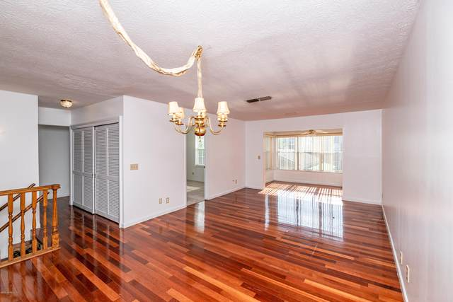 4358 Timuquana Rd #207, Jacksonville, FL 32210 (MLS #1054776) :: Ponte Vedra Club Realty