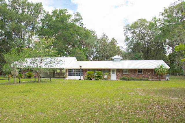 116 Country Ln, San Mateo, FL 32187 (MLS #1054894) :: Berkshire Hathaway HomeServices Chaplin Williams Realty