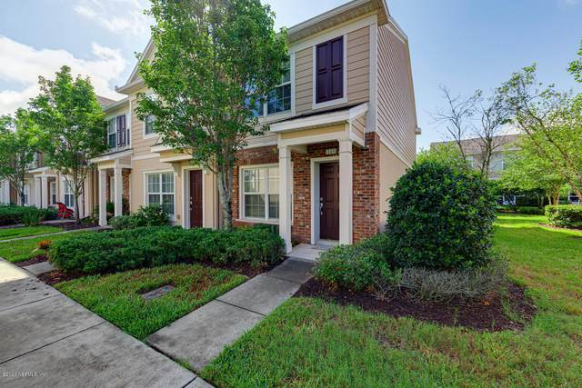 11451 Summerview Cir, Jacksonville, FL 32256 (MLS #1055678) :: The Hanley Home Team
