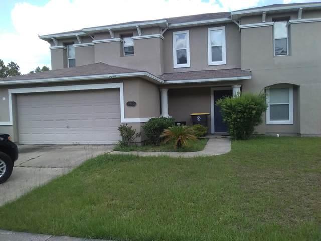 2219 Brian Lakes Dr E, Jacksonville, FL 32221 (MLS #1056036) :: 97Park