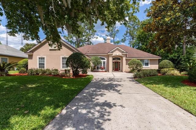 9957 Chelsea Lake Rd, Jacksonville, FL 32256 (MLS #1058342) :: The Hanley Home Team