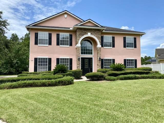 1454 Scenic Oaks Dr, Orange Park, FL 32065 (MLS #1060131) :: The Hanley Home Team