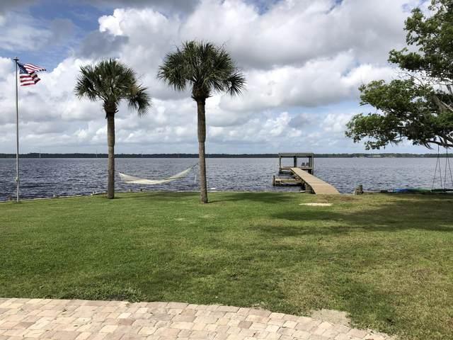 138 Cypress Dr, East Palatka, FL 32131 (MLS #1060857) :: The Hanley Home Team