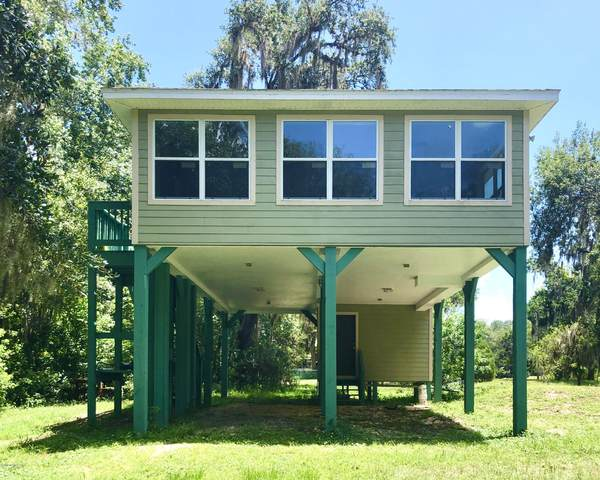 308 Riviera Dr, Crescent City, FL 32112 (MLS #1061490) :: Berkshire Hathaway HomeServices Chaplin Williams Realty