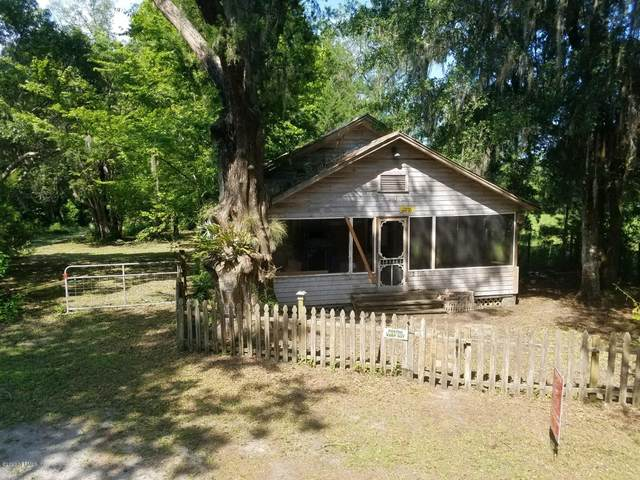 7215 Old State Rd 207, Elkton, FL 32033 (MLS #1062731) :: The Volen Group, Keller Williams Luxury International