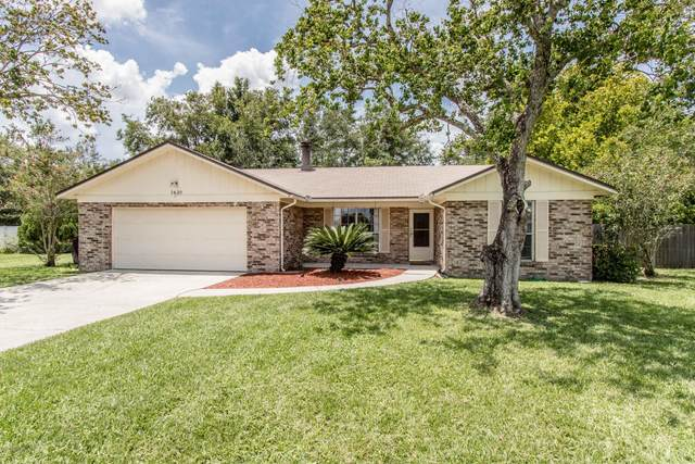 2430 Dumfries Ct W, Orange Park, FL 32065 (MLS #1063489) :: The Hanley Home Team